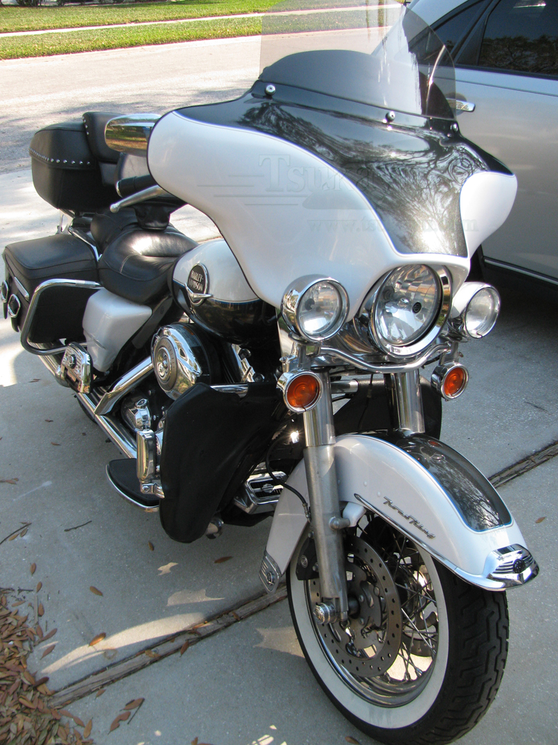 Road King Classic >> Tsukayu Fairing, Hard Saddlebags and Touring Trunk